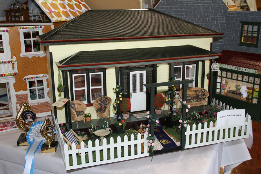 doll-house-2013